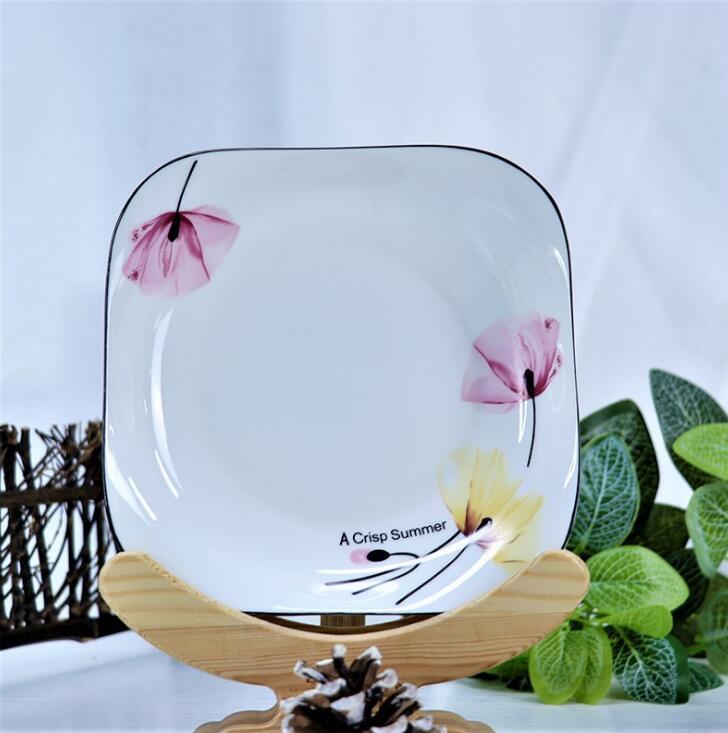 西安陶瓷盘厂来告诉大家如何清洗保养陶瓷餐具