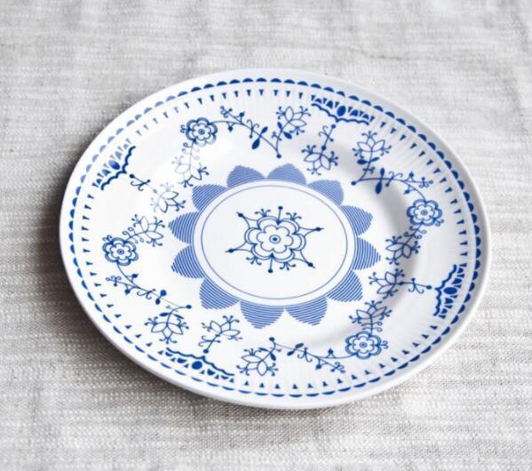 小编向你讲解为什么陶瓷盘会从中间裂成两半?