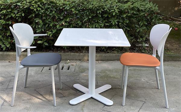 美食城用什么款式餐桌椅好?该如何挑选呢!