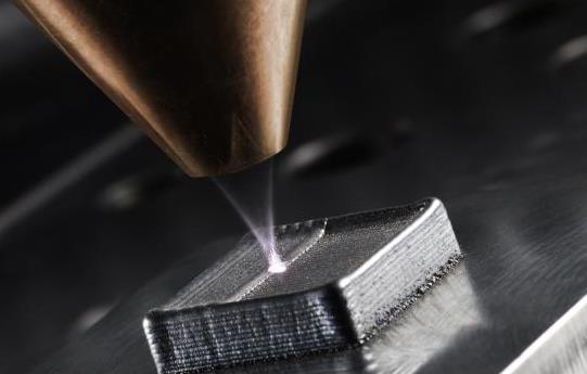 工件上激光沉积焊接