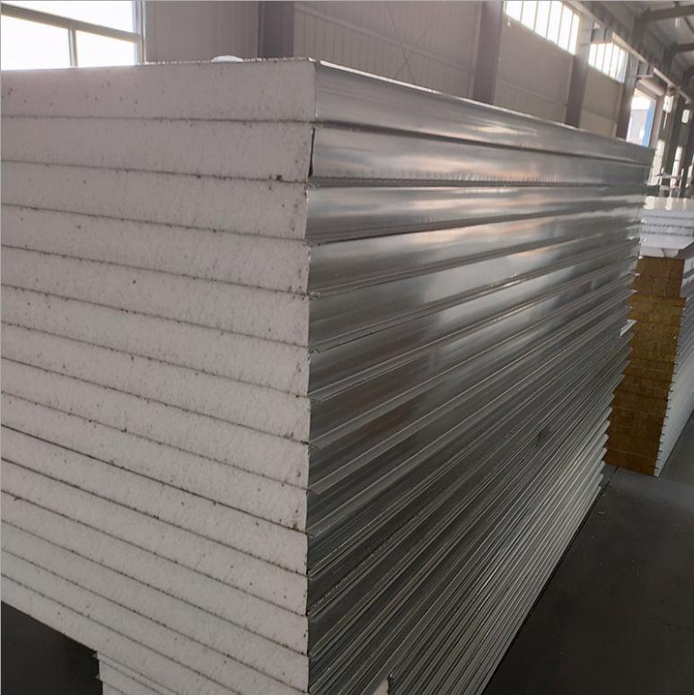 彩钢净化手工夹芯板生产过程