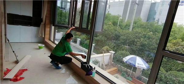 玻璃清洗操作流程你知道吗?