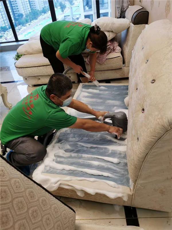 如何做好办公场所地毯清洗小编带你了解