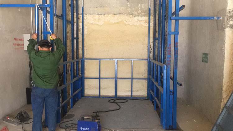 導軌式升降貨梯安裝