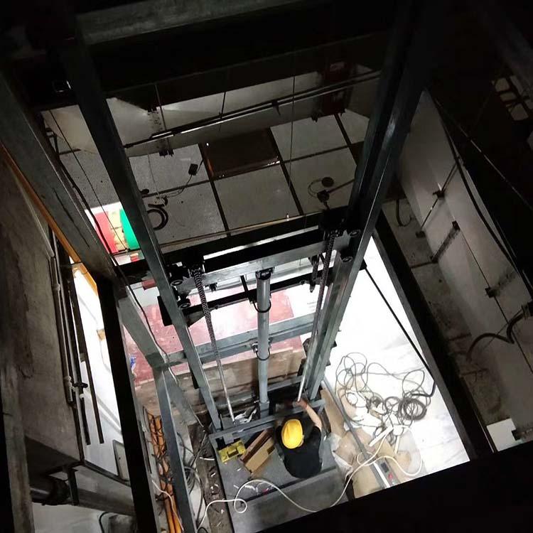 导轨式升降机安装