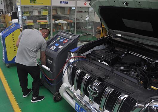 汽车就是一个消耗品,如何来做出正确的保养措施呢?