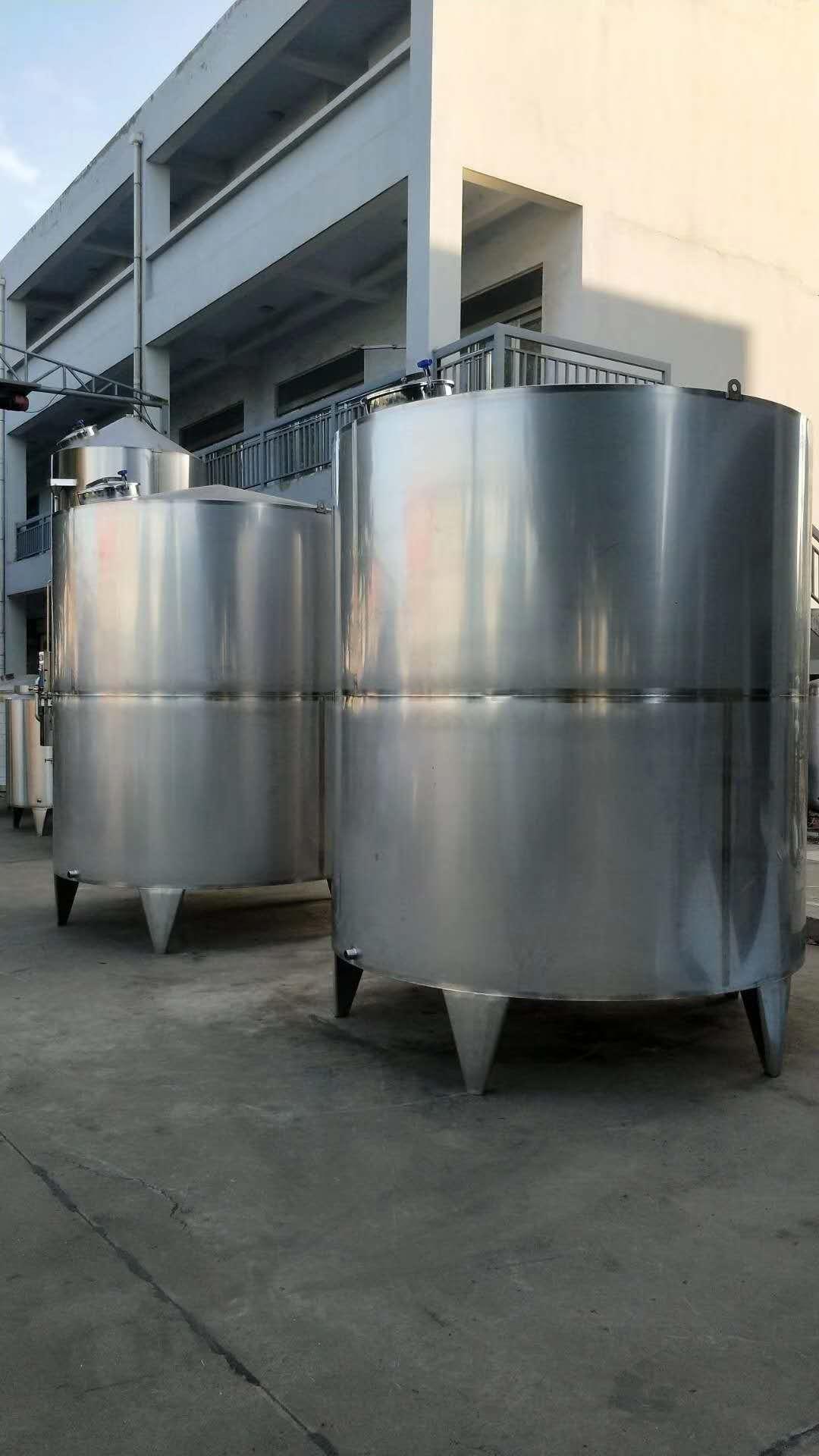 河南不锈钢储存罐批发给大家介绍下:关于304不锈钢储气罐的知识