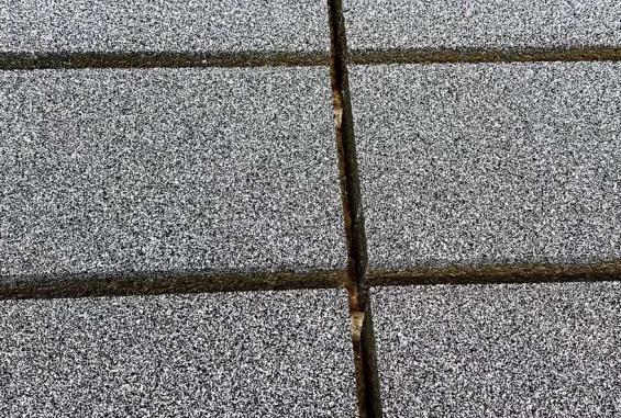 在购买河南透水砖的时候,该怎么去选呢?