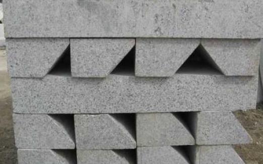 湖北路沿石厂家分享:4个鉴别五莲花石材的质量好坏的方法!