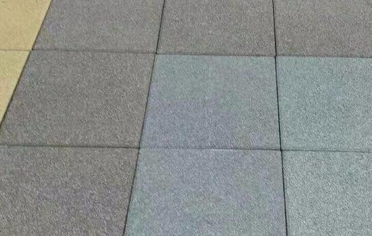 一起看一看水泥砖和透水砖这两者的区别!