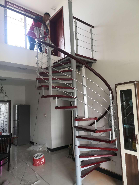 旋轉樓梯安裝