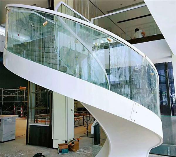 為了更好的滿足客戶需求,河南旋轉樓梯的創新設計尤為重要
