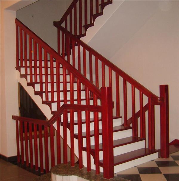 室內實木樓梯的踏板需要貼膜嗎?