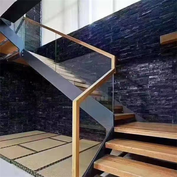 選購實木樓梯時需要注意什么?