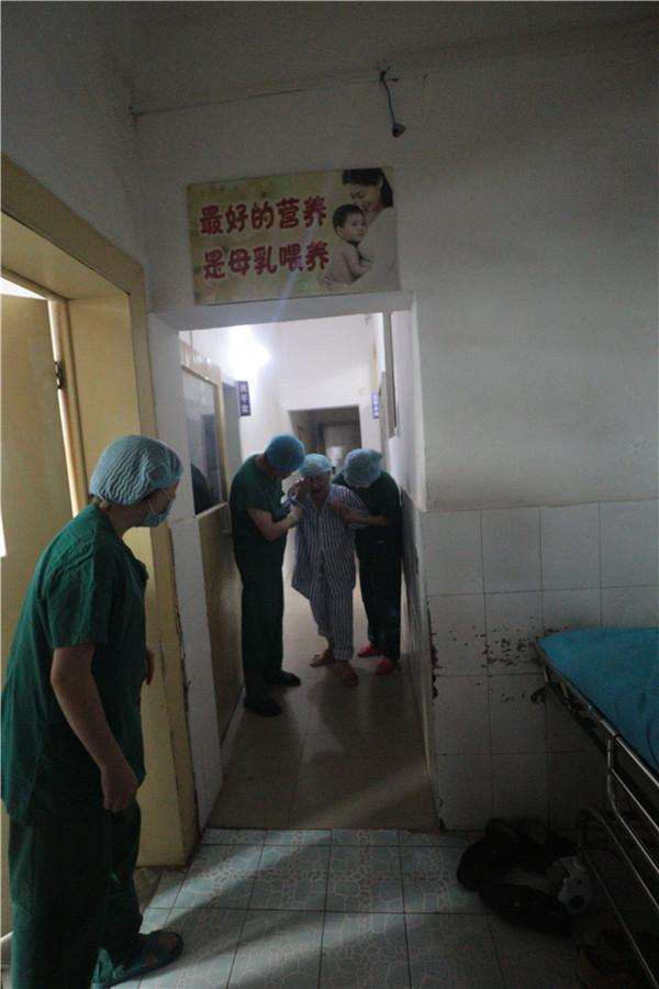 病人出手术室的照片