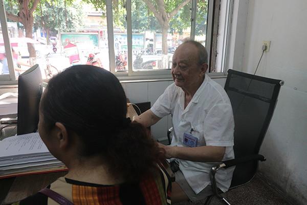 蓬安妇科医院中医坐诊