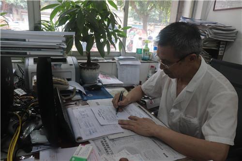 蓬安妇科医生告诉你女性体检阳性血隐该怎么办