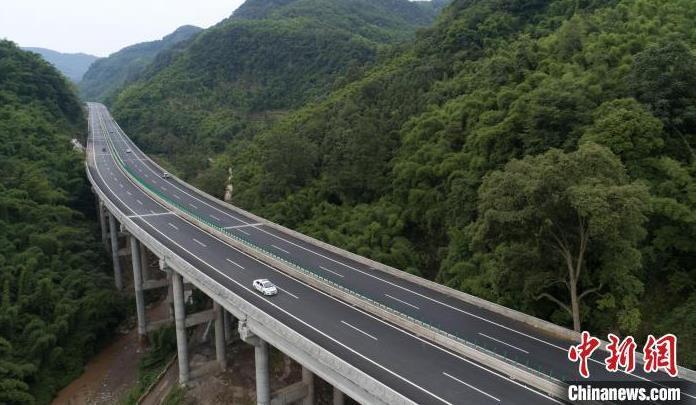 高速公路差异化收费通行费会涨吗?交通运输部回应