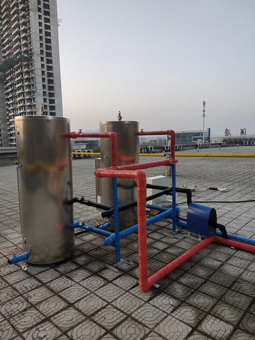 添和商用容积式中央热水设备背面