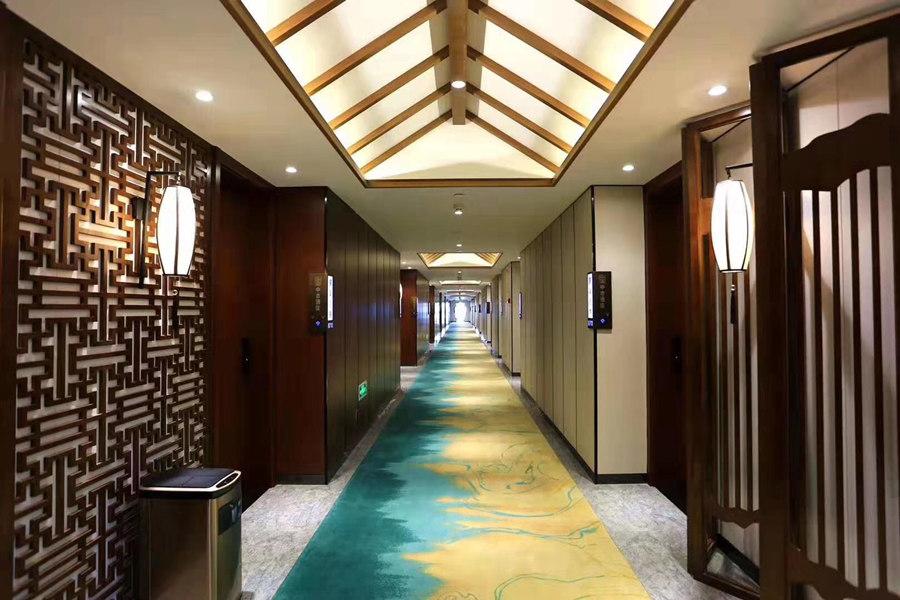 中古酒店过道走廊