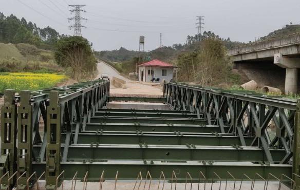 四川钢便桥设计