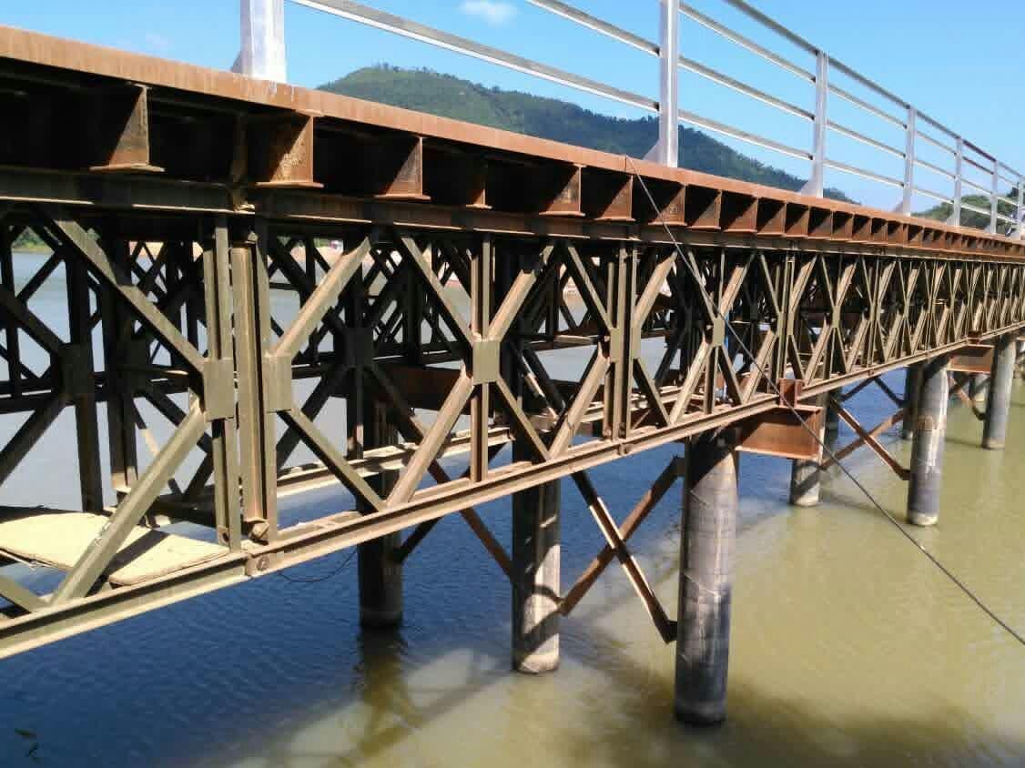 公路抢险需要为什么架设贝雷桥?