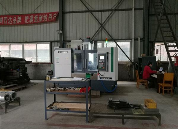 四川干冰制造机工厂现代化智能数控加工中心
