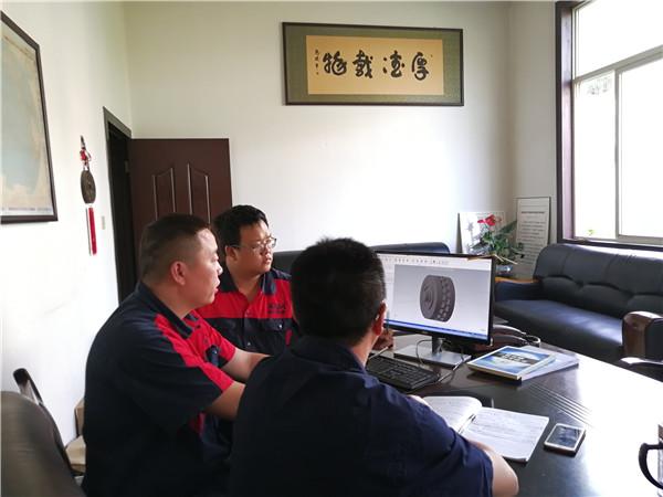 资阳干冰机设计出产技术团队展示