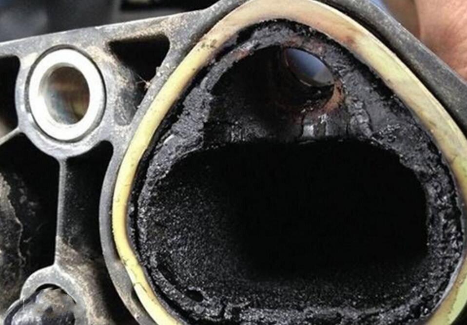 清理发动机积碳前,你要先了解这几点