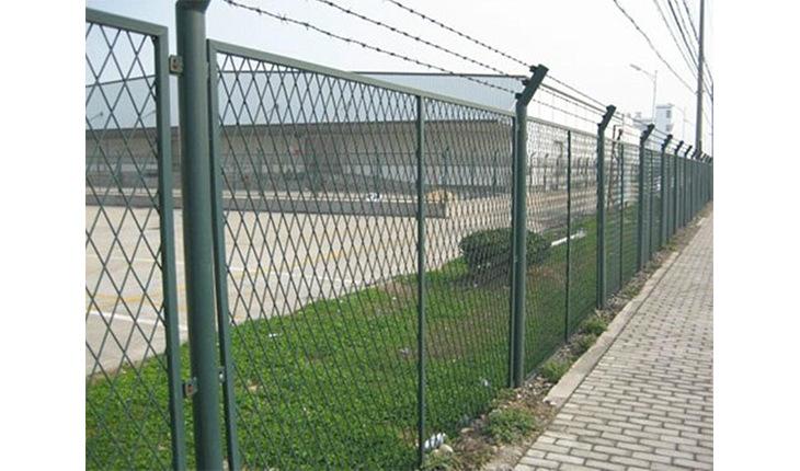 铁路的护栏网的结构和优点分别是什么呢?