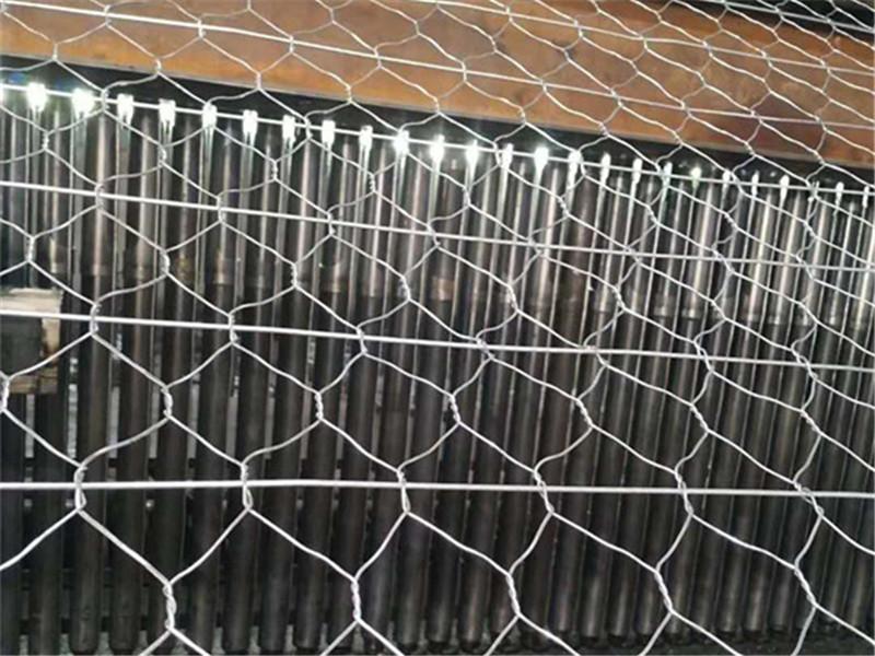 护栏网安装实例