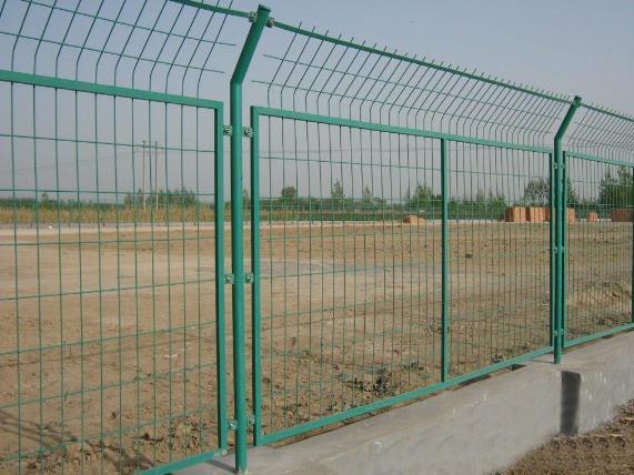 你知道绿化带护栏网的安装形式和效果有哪些吗?