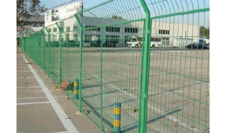 机场护栏网有哪些优点呢?它的结构怎么样?
