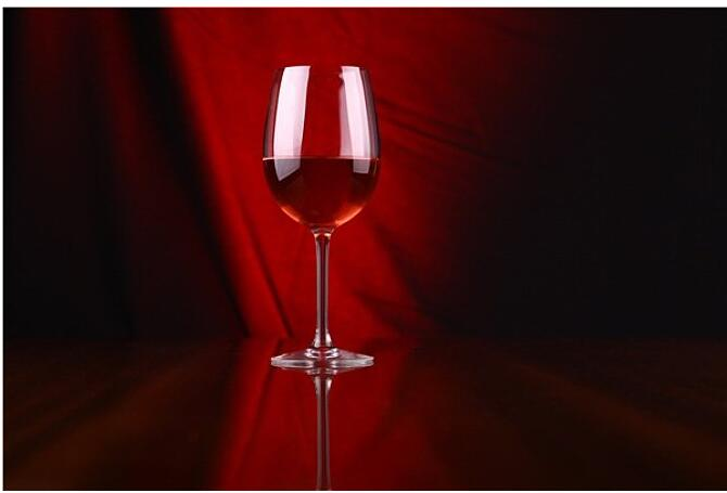 非专业人士怎样清洗红酒杯?
