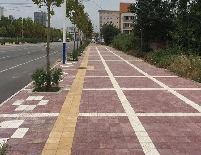 陕西隆天建设工程有限公司合作广场砖施工案例