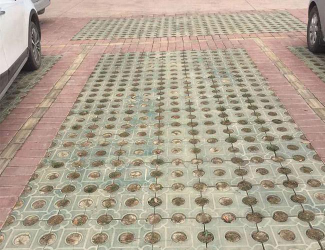 户县人民法院草坪砖施工案例