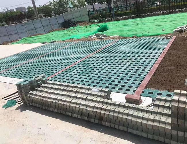 西安草坪砖生产