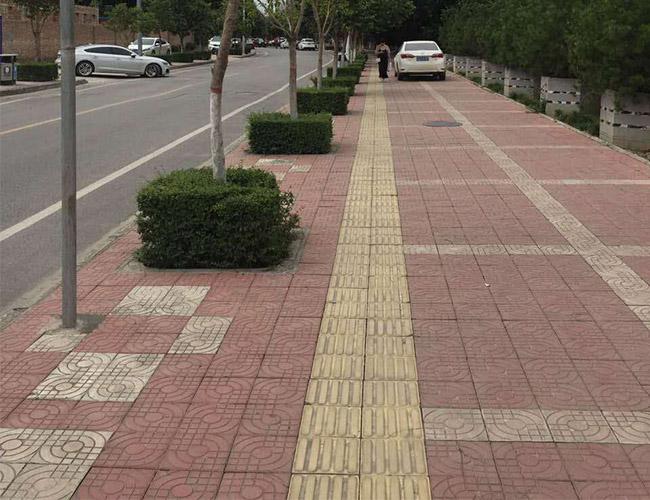带大家了解一下陕西马路砖的选购技巧施工时需要注意的细节