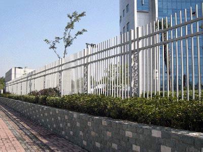 泽鑫建材-护栏网浸塑与喷塑区别在哪里?
