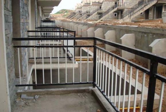 现代家庭阳台护栏与护窗栏杆的装修工程的使用与维护有哪些?