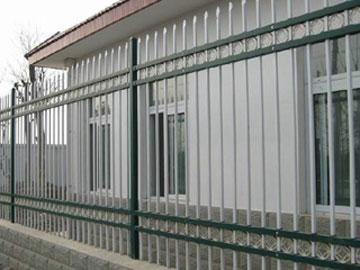西安锌钢阳台护栏后期维护保养的三大注意细节