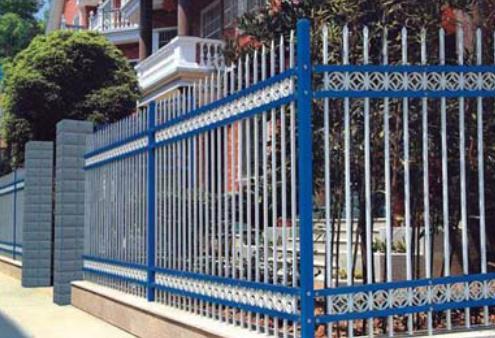 浅谈锌钢护栏生产工艺