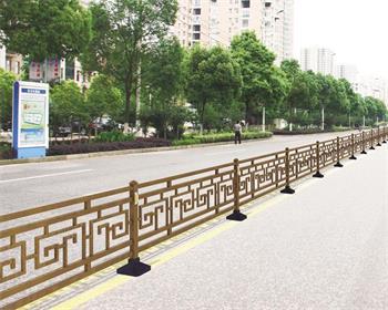 锌钢围栏比铁丝围栏的优势在哪里