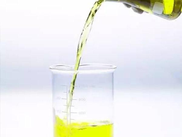 液压油的维护保养工作应怎样进行?