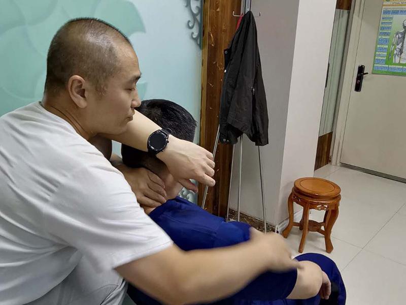 颈椎病并发症多 该如何诊疗和预防
