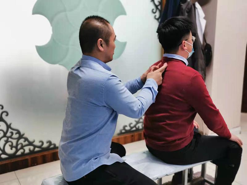张先生,48岁,腰疼3月余