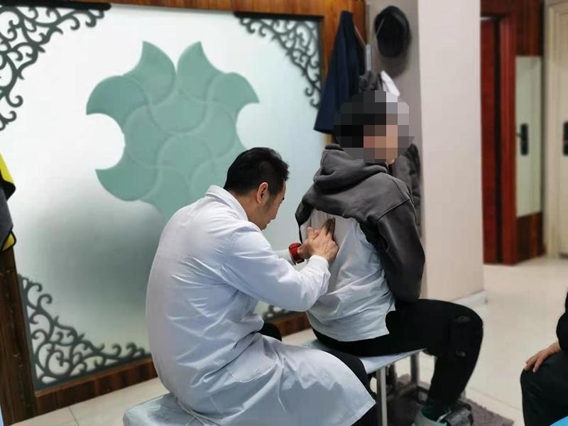 儿童脊柱弯曲的处理及预防