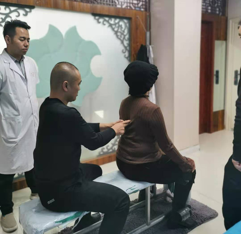 腰椎综合征的生理解剖及病理特点,决定腰部正骨手法