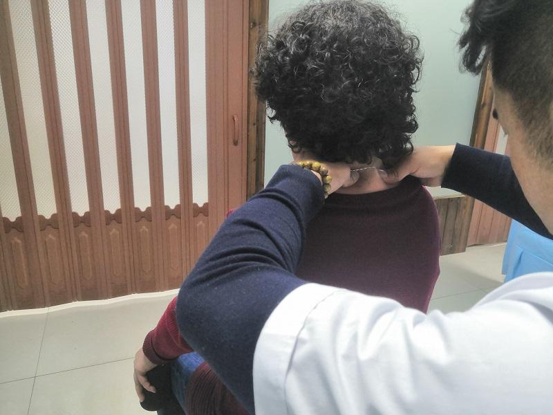 李女士 60岁 病症:颈椎第六,七椎错位,寰枢关节错位