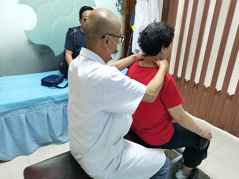 李女士  63岁 颈椎病康复诊疗